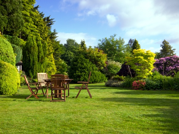Why Gardening Services Aren't Just For the Wealthy | The Experienced Gardener