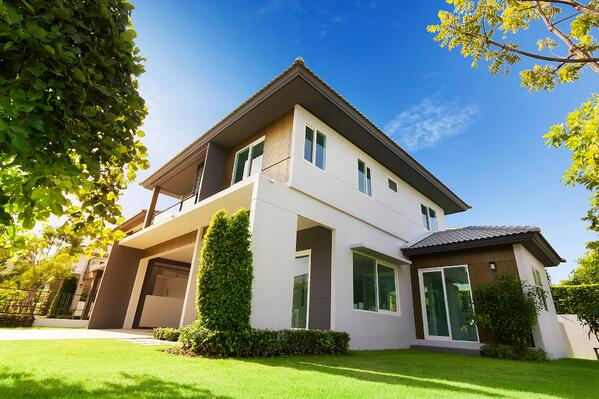 Putting Your House On The Market 3 Reasons Why You Need A Landscaper | The Experienced Gardener